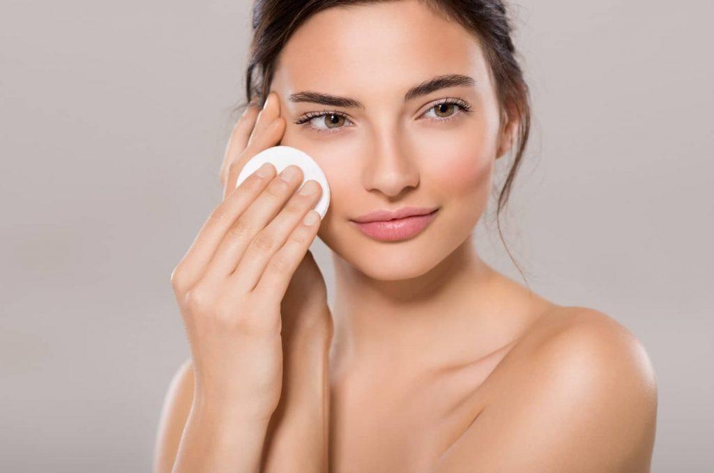 makeup-steps-cleasing-toning-moisturizing-sun-protection