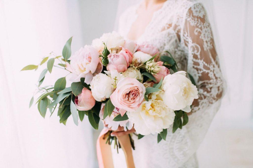 wedding-roses-peonies