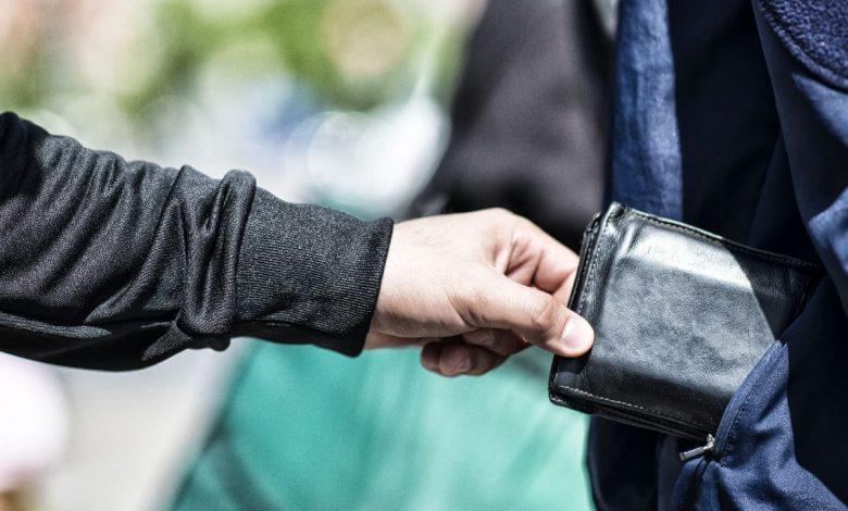 Photo of 出國旅遊遭偷竊, 5句自救必備的求助對話!